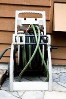 Cómo purgar el aire de Agua Caliente Zócalo tubos de calefacción