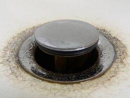 Cómo reparar un fregadero cuarto Plug