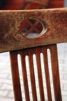 Sin terminar Vs. muebles al aire libre de la mancha Barniz