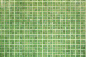 Cómo cortar azulejos de mosaico de piedra