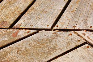 Cubierta de madera de construcción Consejos para clavos o tornillos