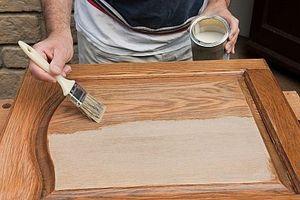 Cómo pintar gabinetes de madera