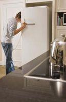 Cómo mezclar un refrigerador blanco con otros electrodomésticos de acero inoxidable