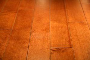 ¿Cómo puedo proteger a mis pisos de madera se rasque?