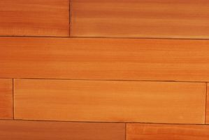 Cómo Franja de poliuretano Mancha de óxido de pisos de madera