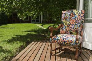 Cómo quitar las manchas de los muebles del patio Cojines