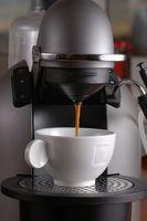 Cómo limpiar una cafetera con agua dura