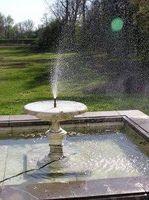 Cómo mantener el agua limpia de fuentes al aire libre