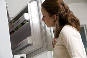 Cómo limpiar un congelador que ha echado a perder carne en ella