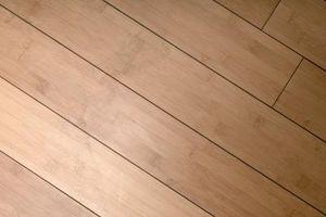 Cómo utilizar pisos de madera en una pared