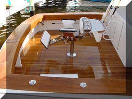 Cómo Refinish Barco de madera de teca