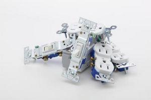 Cómo reemplazar un interruptor de luz de combinación usted mismo