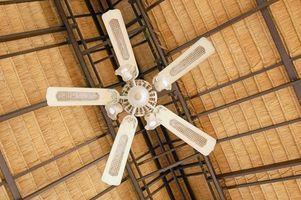 Cómo instalar un ventilador de techo en una casa prefabricada