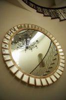 Pintura sobre un espejo de pared