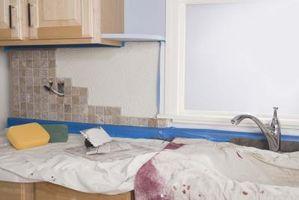 ¿Cómo instalar un protector contra salpicaduras de aluminio en mi cocina?