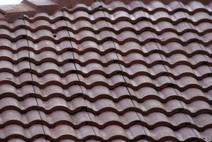 Productos seguros para limpiar techos de teja