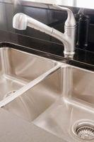 Cómo limpiar un fregadero de cocina que es un material poroso no