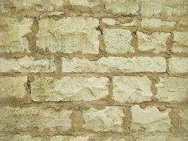 Cómo construir paredes de piedra con mortero de hormigón