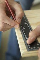 Cómo utilizar un artesano Multi-herramienta para hacer ángulos rectos en madera