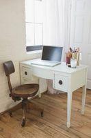 ¿Qué se usa para proteger pisos de madera dura de una silla de ordenador?