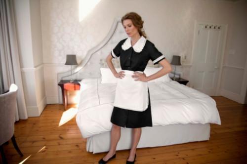 Cómo hacer una lista de verificación de limpieza para una ama de casa