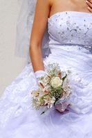 Cómo quitar las manchas de agua de un vestido de novia de Poliéster
