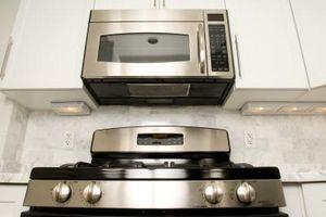 Hornos de microondas que cuece al horno