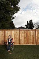 Cómo arreglar una apertura de madera en una puerta de la puerta