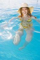 Cómo convertir una piscina química a una piscina de agua salada