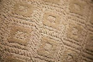 ¿Cómo deshacerse de las manchas rojas Kool-Aid en la alfombra