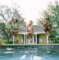 ¿Por qué nuestro piscinas enterradas hacer grandes burbujas de aire en el arranque?