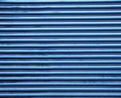 ¿Qué tipo de borde que se coordina con una pared rayada horizontal?