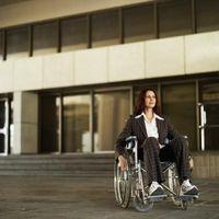 En caso de que lo que cuesta una rampa ser para la accesibilidad?