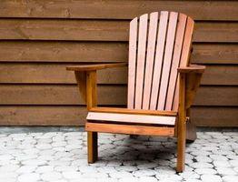 Cómo limpiar muebles de madera al aire libre
