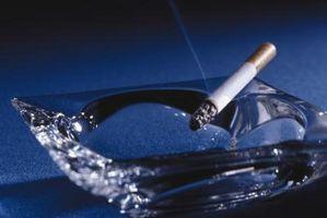 Cómo limpiar la nicotina de las paredes amarillentas