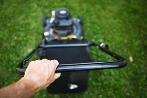 Cómo cebar una cortadora de césped de empuje