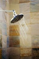 Cómo arreglar la baja presión del agua en el lado caliente Sólo ducha