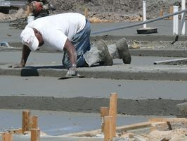 La mejor manera de manchará el concreto