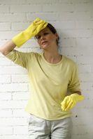 Cómo limpiar un derrame de aceite de linaza en plástico