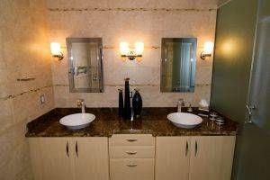 Cómo limpiar Moho del cuarto de baño / Digfineart.com