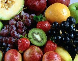 Cómo hacer un centro de la fruta del árbol del Topiary