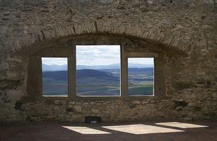 ¿Cuál es la distancia apropiada entre Windows en una habitación?