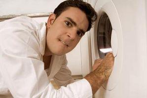 Cómo desconectar las líneas de una secadora Kenmore