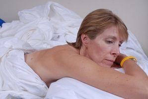 Cómo quitar sangre seca de Ropa de cama