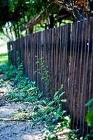 Cómo instalar una cerca Yard
