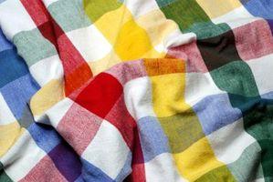 Cómo limpiar un rayón y algodón Mantel