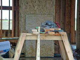 Cómo hacer un corte en la madera contrachapada Spline Usando una sierra de mesa