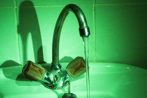 Cómo reemplazar grifo de la bañera perillas