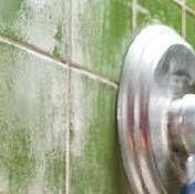 Cómo quitar manchas de agua dura Naturalmente