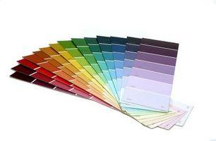 Los colores que complementan rosa de la pintura